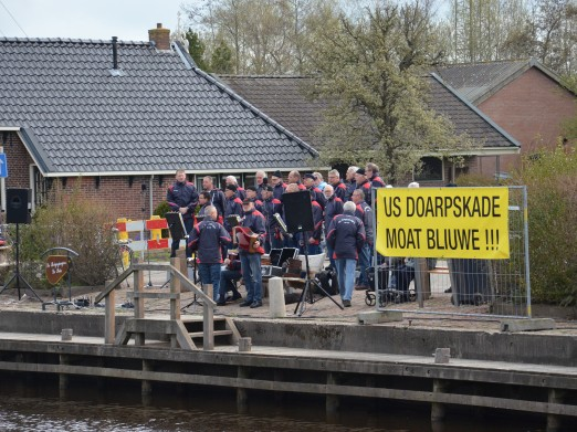 'Us doarpskade moat bliuwe' - april 2013, foto door Jan Benus