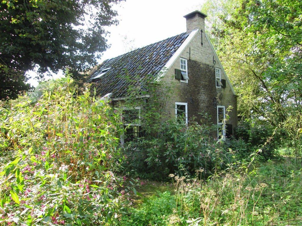 Het oudste huisje van Smallingerland. Nu nog Nijtap 3, binnenkort Binnendyks 2. Foto door Jaap de Vries.